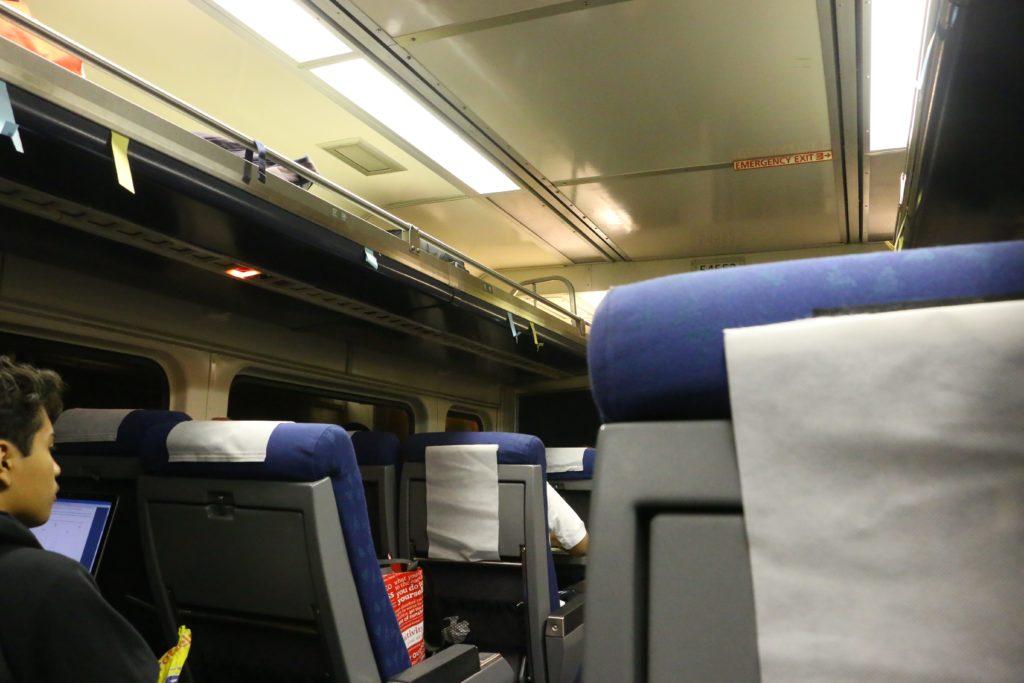 アメリカの電車の画像