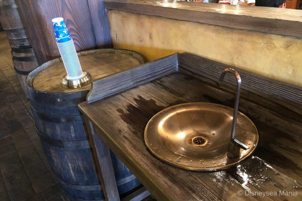 給水機(ディズニー)の画像