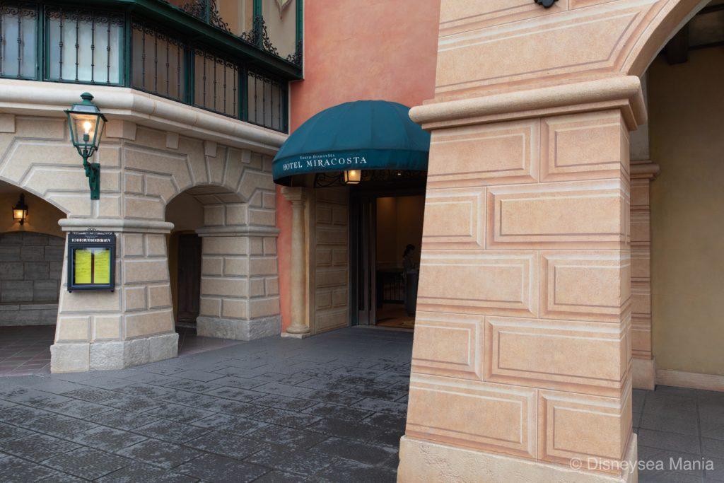 東京ディズニーシー・ホテルミラコスタをつなぐ入口(出口)の画像