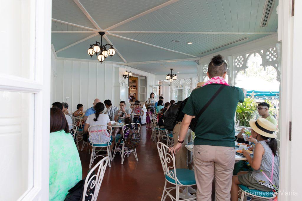 プラザパビリオン・レストラン @東京ディズニーランドの屋内席の画像