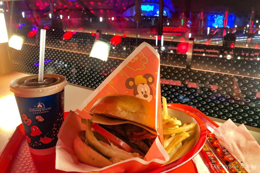 スターゲイザー・ベーコンチーズバーガー(ハンバーガー)(上海ディズニーランド)の画像