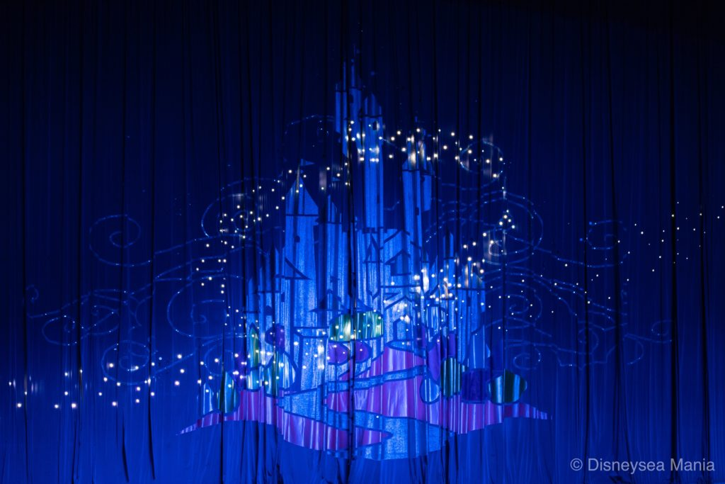 ワンマンズ・ドリームⅡ(東京ディズニーランド)の舞台装飾の画像