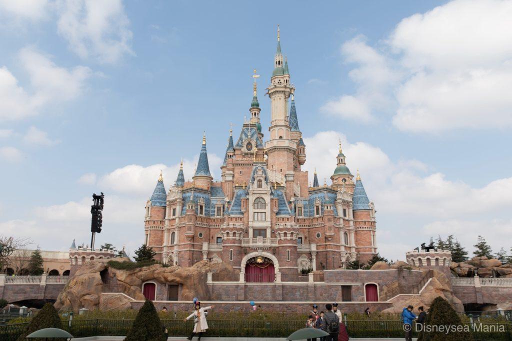 上海ディズニーランドの城(エンチャンテッド・ストーリーブック・キャッスル)の画像